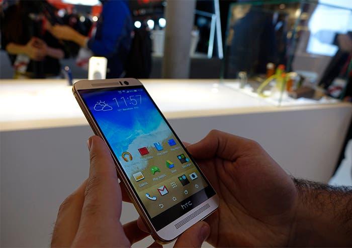 HTC one m9 frente