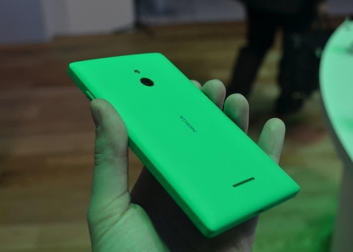 Nokia-XL-Trasera-Verde