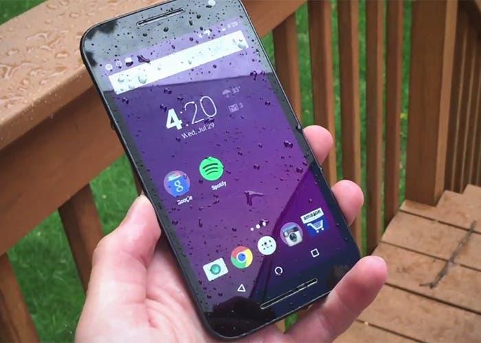 Motorola-Moto-G-2015-mojado