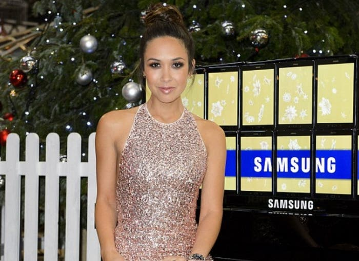 Classically-trained-pianist-Myleene-Klass-plays-a-piano-made-up-of-Samsung-Galaxy-Tab-S2-tablets-nbsp (2)