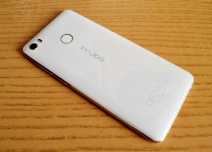 Innjoo-2-LTE-back