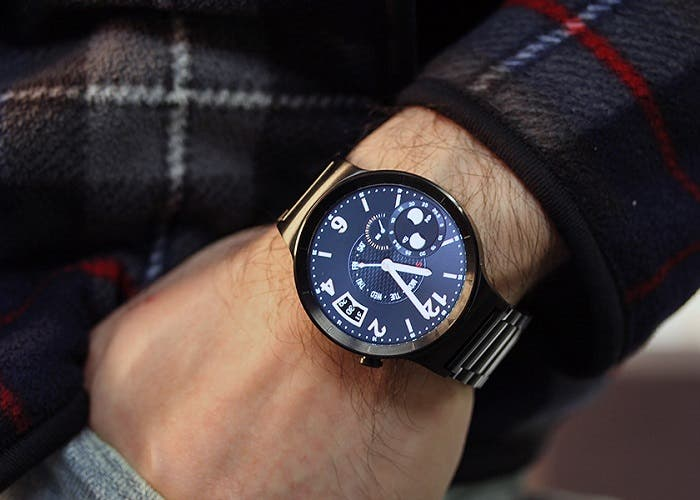 Huawei-Watch-on-wrist