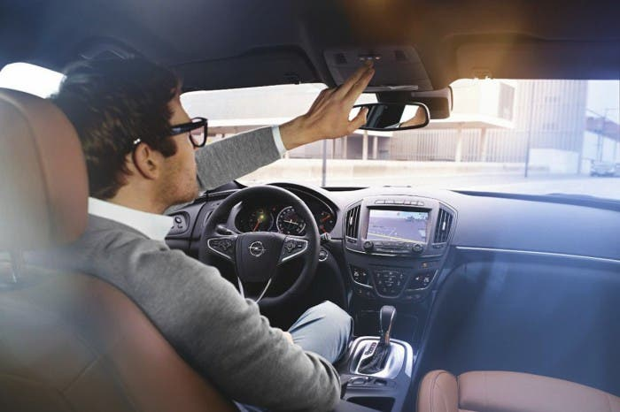 Opel-On-Star-wifi-coche-09-700x466