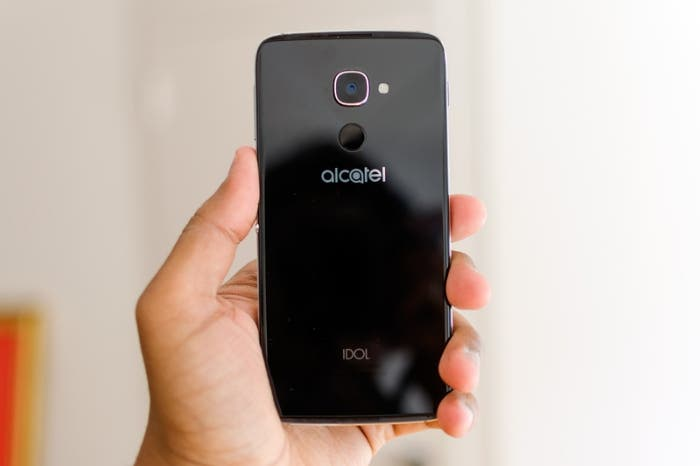 alcatel-idol-4s-review-0002-800x533-c