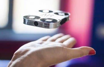 AirSelfie reinventa el palo-selfie para dejarnos con un drone