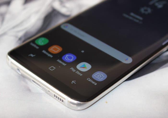 pantalla roja del Galaxy S8