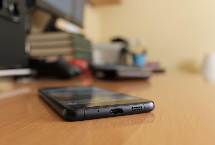 Altavoces y USB tipo-C del BQ Aquaris X
