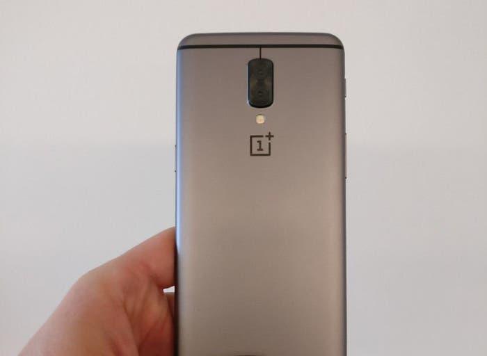 Confirmada la doble cámara del OnePlus 5 gracias a la caja del dispositivo