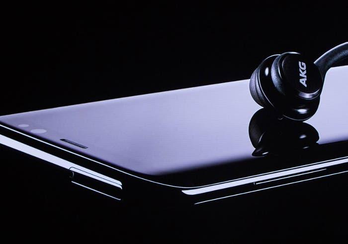 El Galaxy Note 8 llegará con unos auriculares similares a los AirPods