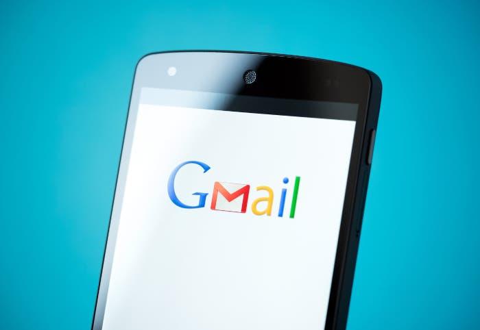 La aplicación de Gmail ya permite usar respuestas inteligentes en español