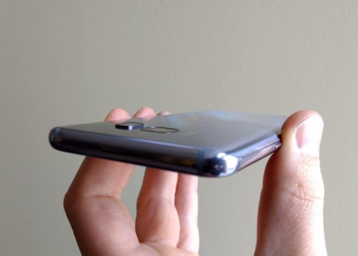 Así han conseguido mejorar el sensor de huellas del Samsung Galaxy S8