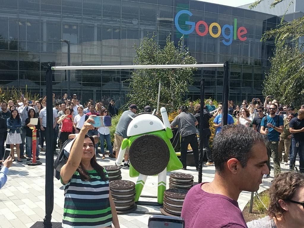 android 8.0 estatua
