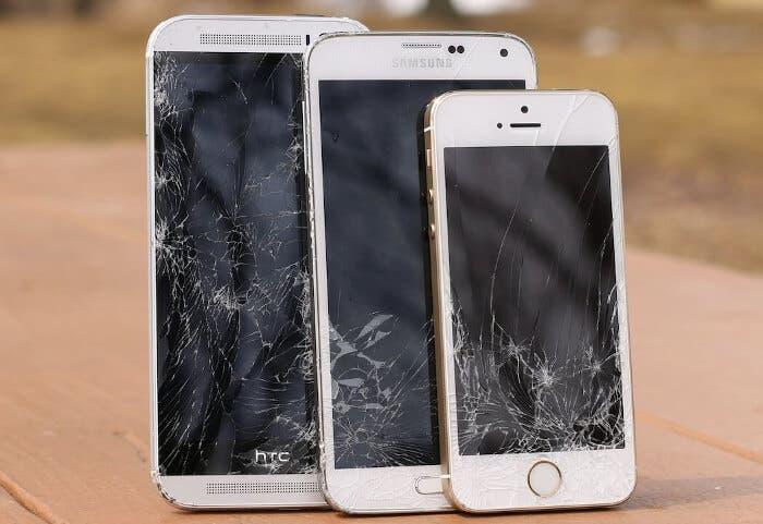 Tu privacidad puede estar comprometida y tu móvil hackeado por cambiar la pantalla