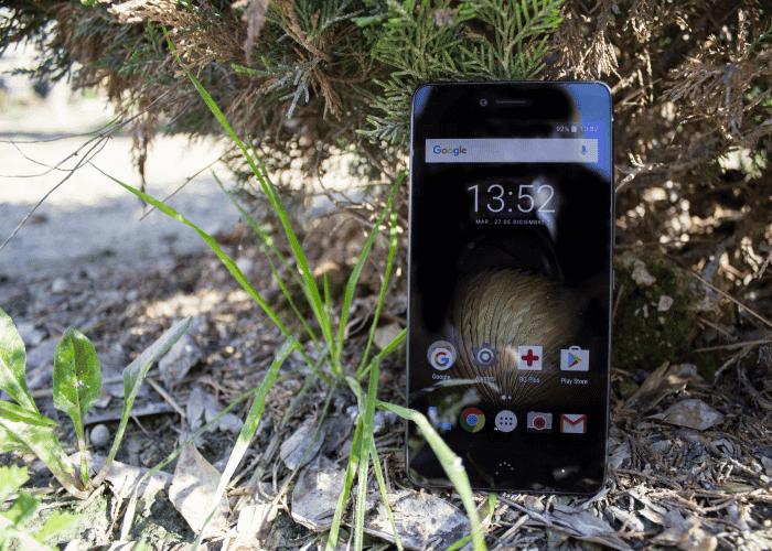 Motorola Moto G5, BQ Aquaris U Plus y más móviles de gama media en oferta