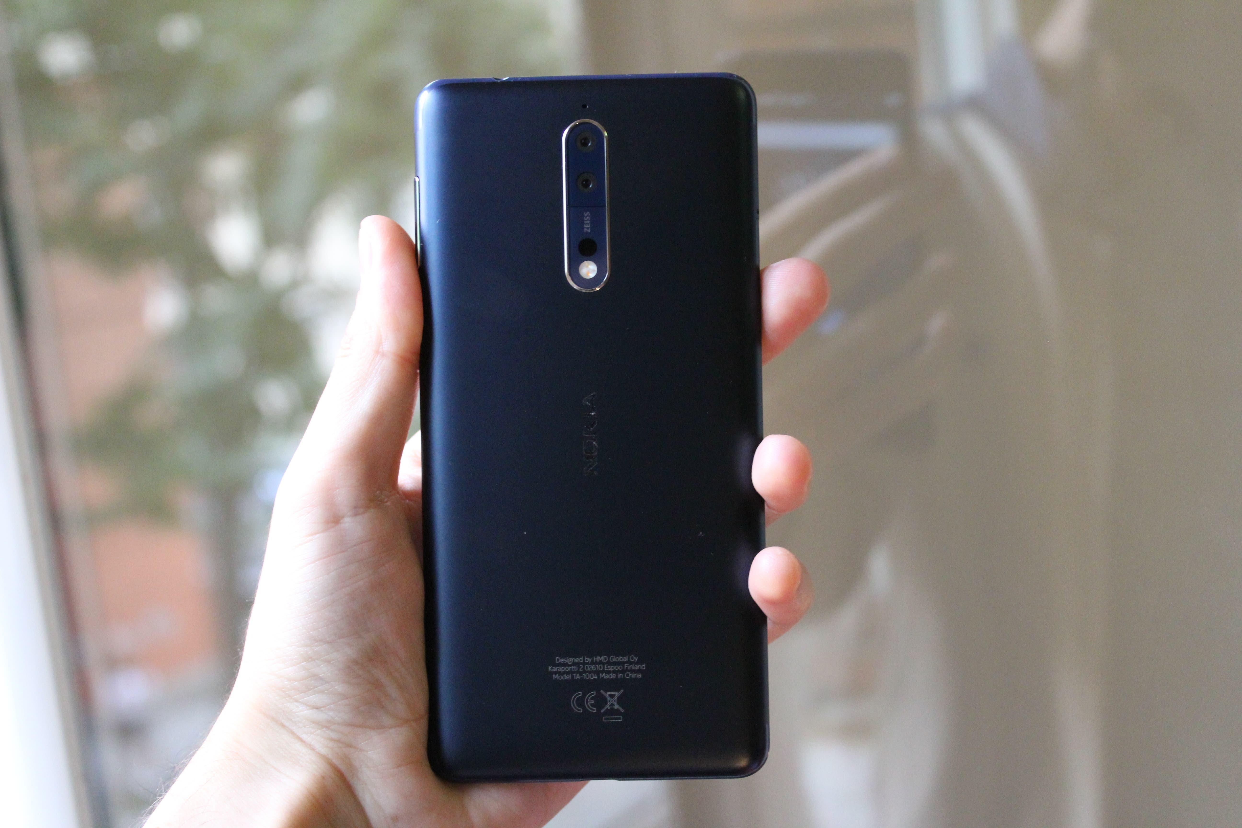 Nokia 8 trasera