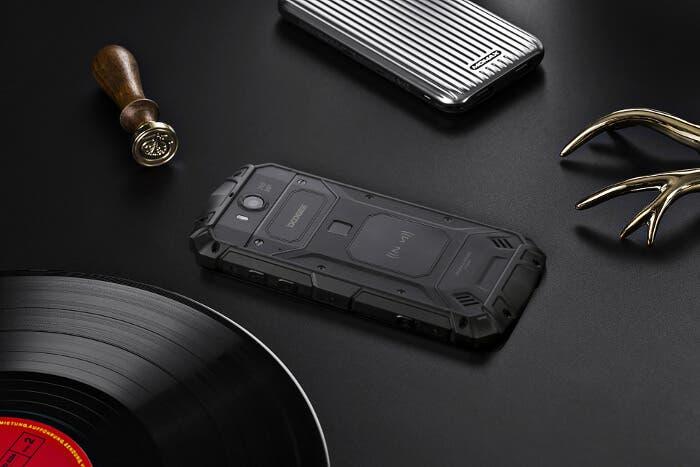 Doogee S60, otro teléfono robusto que puede hacer de martillo