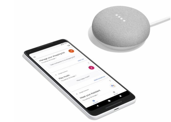 Nuevas imágenes del Google Home Mini con el Google Pixel 2 XL