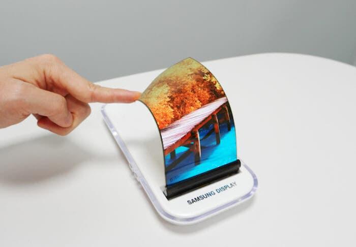 El teléfono flexible de Samsung podría llegar muy pronto en una edición limitada