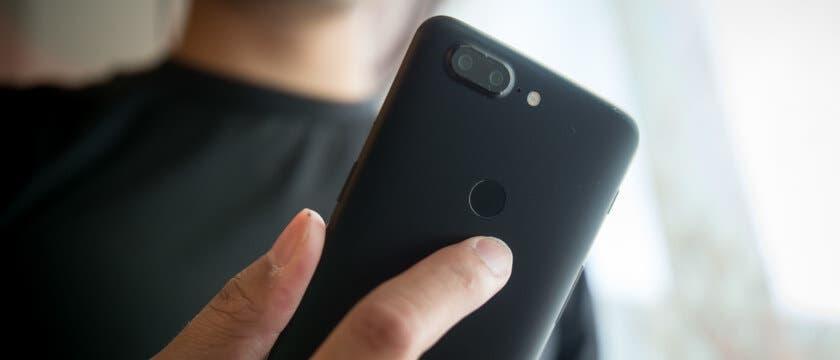OnePlus 5T sensor de huellas