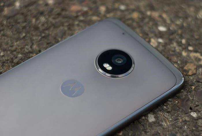 Motorola Moto G5 Plus: sensor de huellas, diseño de metal y Android Stock por 200 euros