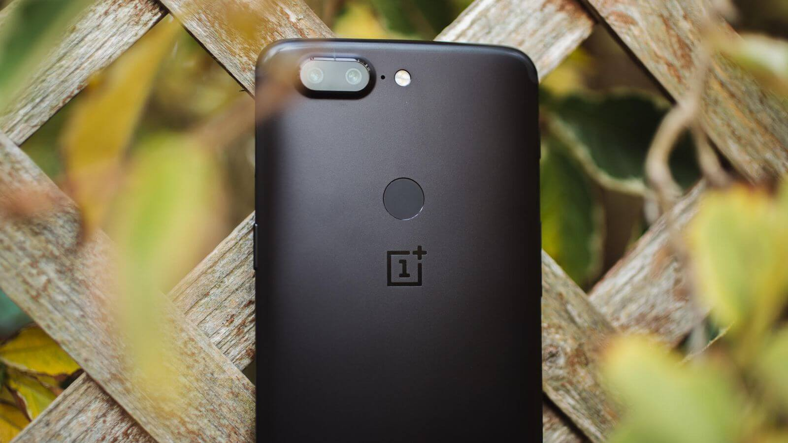 OnePlus 5t trasera
