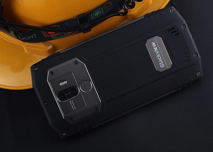 ¿Puedes jugar al Beisbol con tu teléfono? ¡Este Blackview BV9000 Pro hace de pelota!