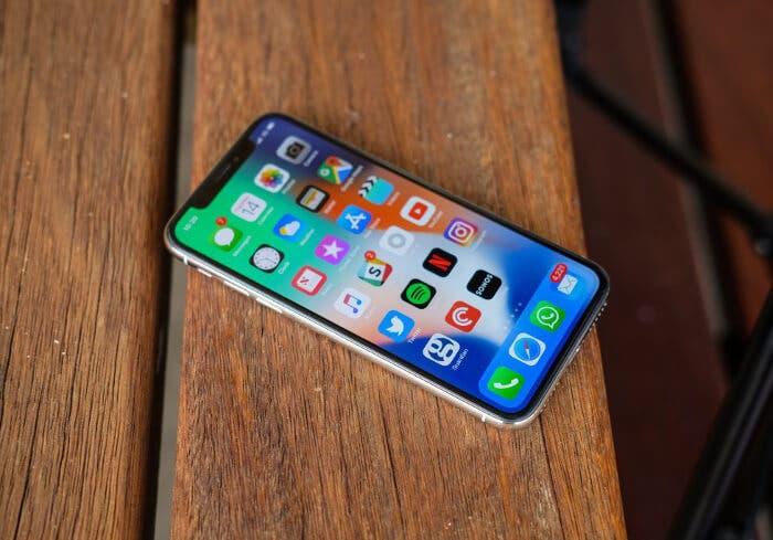 Samsung tiene patentado un diseño de pantalla similar al del iPhone X