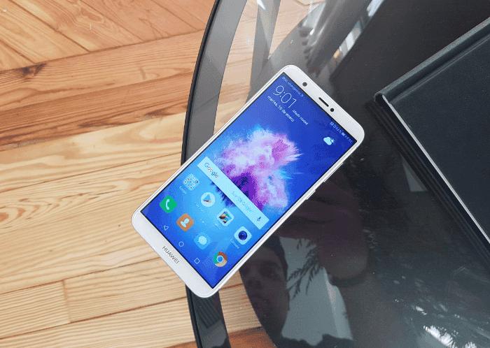 Primeras impresiones del Huawei P Smart, un gama media con muchos detalles premium