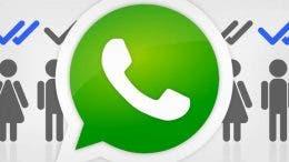 Logo de WhatsApp con personas detrás