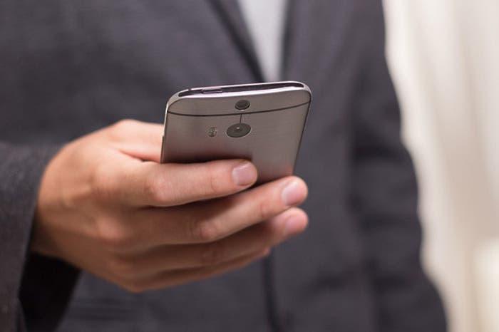 Cómo personalizar el tono de llamada de los contactos