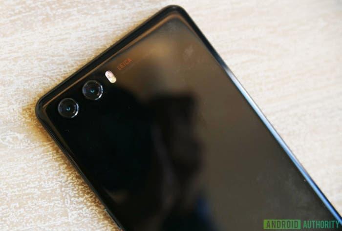 El Huawei P20 se deja ver sin triple cámara, sin notch y sin sensor de huellas