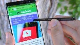 Samsung Galaxy Note 8 con el s-pen escribiendo