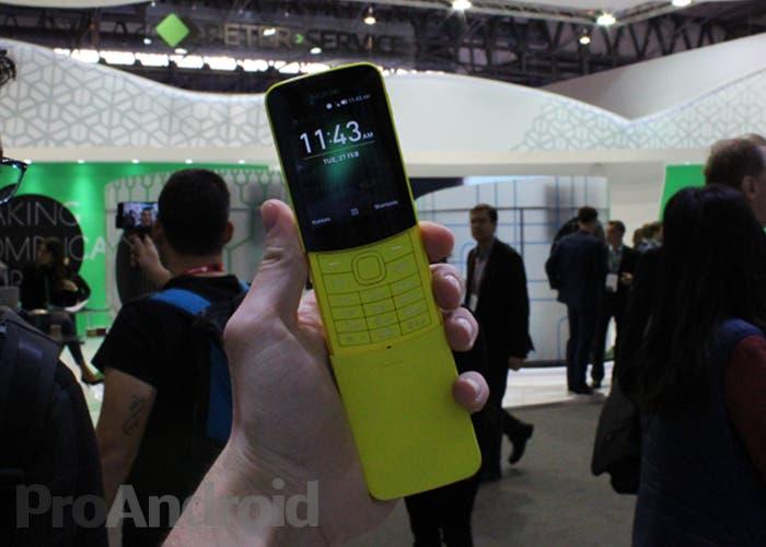 Probamos el Nokia 8110, un feature phone con Google Assistant