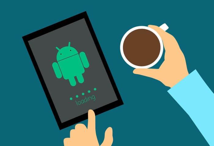 Conectar los auriculares y que se abra el reproductor sería posible en Android P