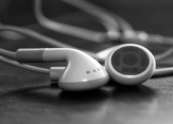 Cómo iniciar aplicaciones cuando conectamos los auriculares en Android fácilmente
