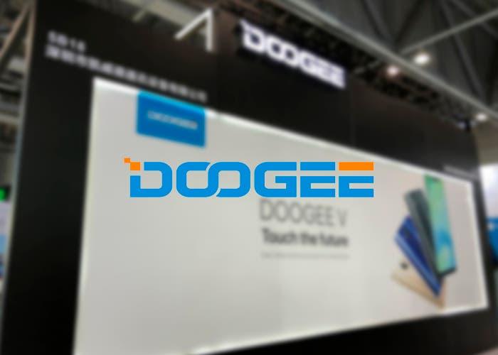 El Doogee V se deja ver con lector de huellas en la pantalla y similitudes al Huawei P20