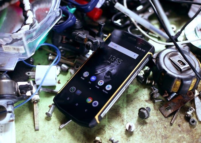 ¿Un teléfono con Android Oreo 8.1, batería de 5580 mAh y resistencia IP68 por 110 euros? El Blackview BV5800 Pro es la clave