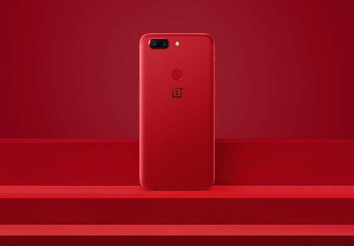 OnePlus 5T en color rojo