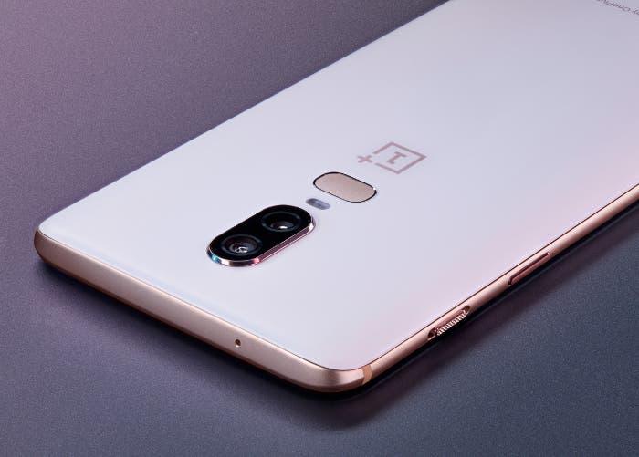 Ya puedes comprar el OnePlus 6 en su nueva edición limitada de color blanco