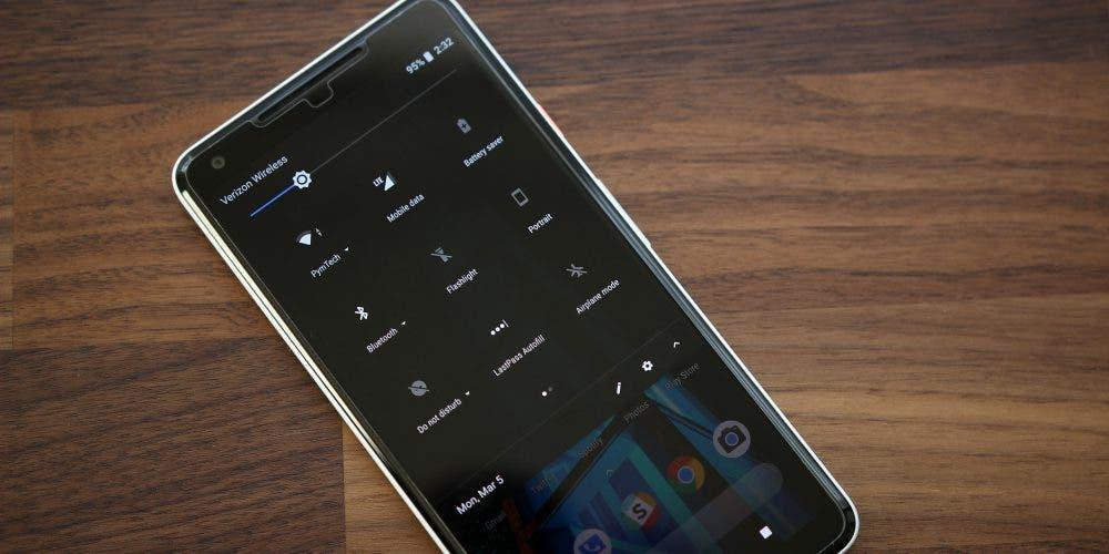 Ya se puede elegir cuando activar el modo oscuro en Android P