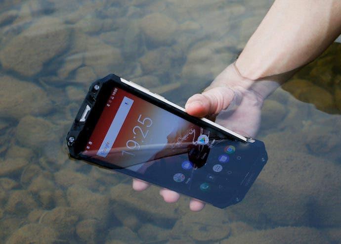 Android Oreo, protección IP68 y batería de 10000 mAh por 220 euros con esta oferta del Oukitel WP2