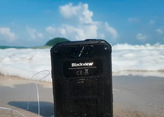 Así es el Blackview BV9500, un titán que lo aguanta todo