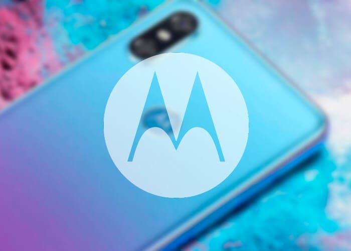 Conoce los nuevos teléfonos de Motorola con pantalla infinita