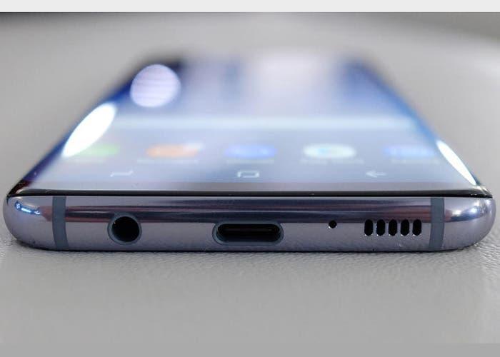 Samsung Galaxy A8s: ¿el primer Samsung sin conector de auriculares?