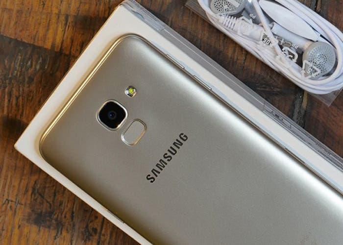 El Samsung Galaxy M10 pasa por la FCC mostrando sus características