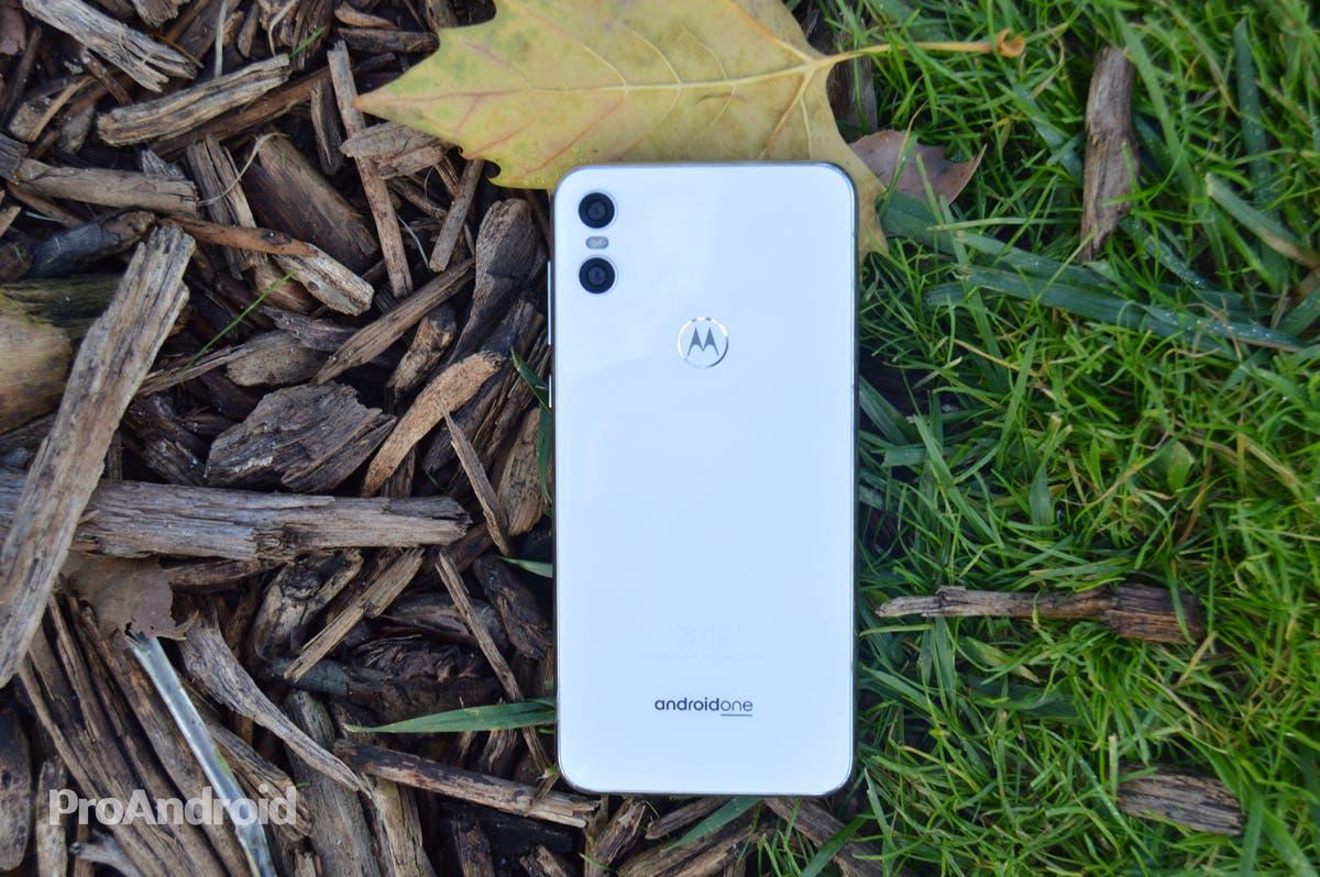 Motorola mejora sus números gracias a los Motorola One y los Moto G
