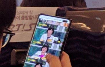 El Samsung Galaxy S10+ filtrado en una imagen real: confirmada la doble cámara frontal