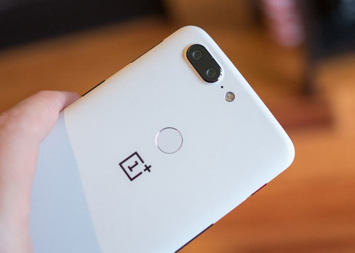 Los OnePlus 5 y 5T siguen actualizándose: nuevos cambios y mejoras