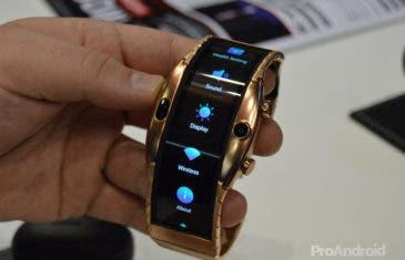 Probamos el Nubia Apha: las pantallas flexibles llegan a los smartwatches