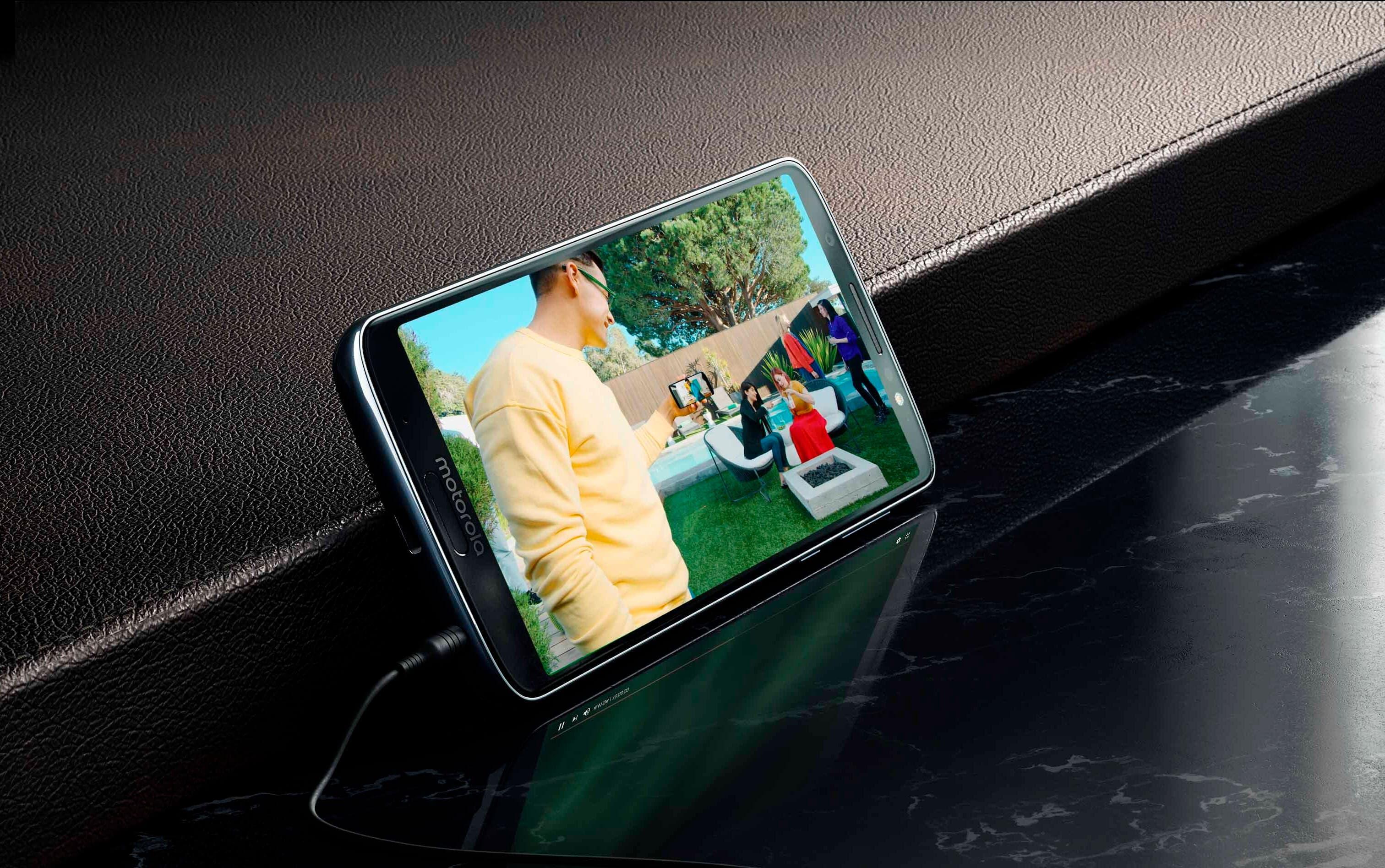 Primera filtración del Motorola Moto G8: pantalla sin notch y sin agujero